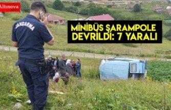 Minibüs şarampole devrildi: 7 yaralı