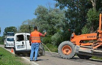 Sinop'ta hafif ticari araç ile otomobil çarpıştı: 8 yaralı