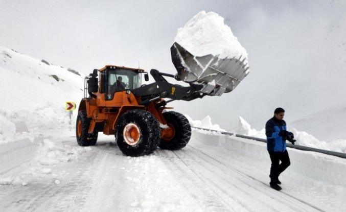 Kar nedeniyle 4 aydır kapalı olan yol ulaşıma açılıyor