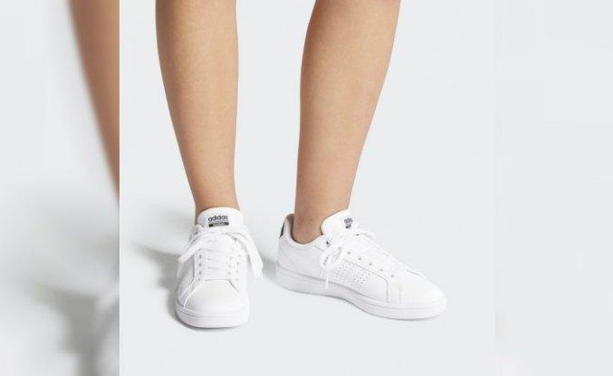 Beyaz sneaker trendi, tüm seçenekleriyle Boyner'de
