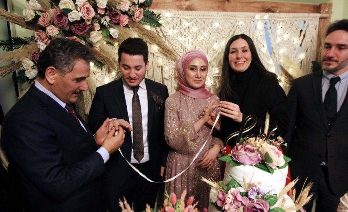 Cumhurbaşkanı Erdoğan istedi, Vali Kaymak nişan yüzüklerini taktı