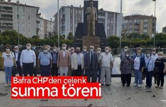Bafra CHP'den çelenk sunma töreni