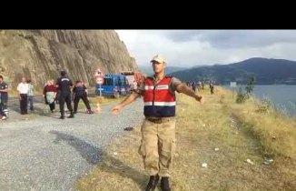 Bafra Derbent Barajına Minübüs Uçtu